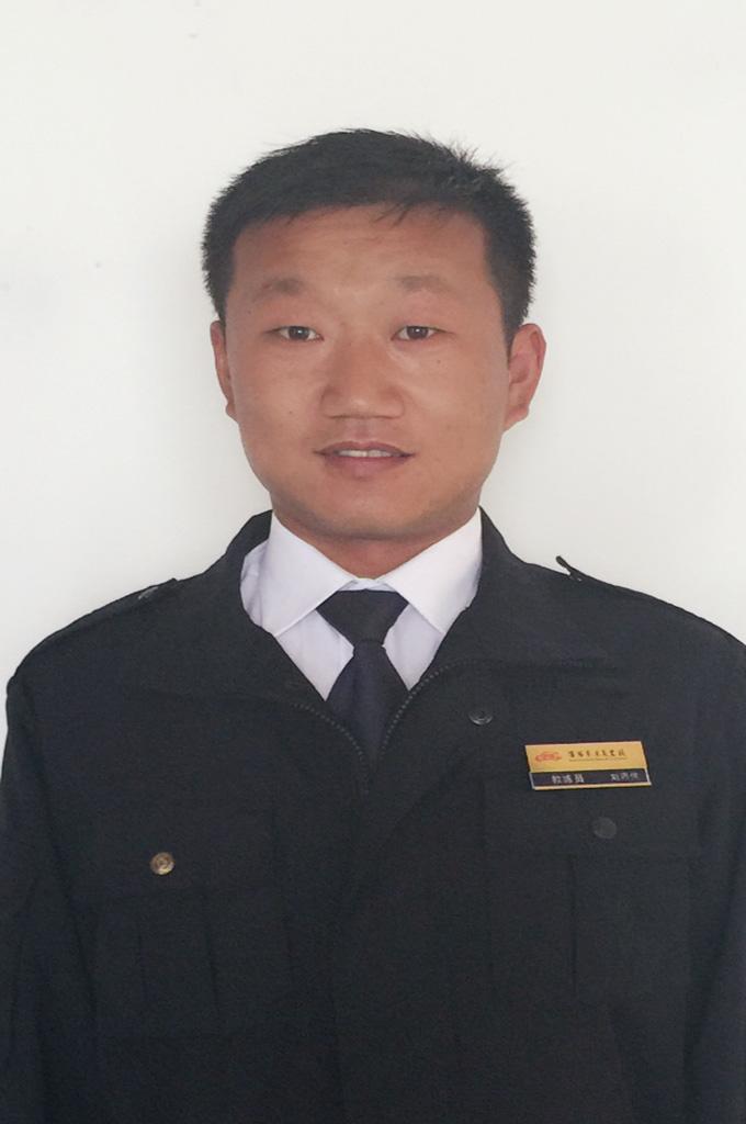 刘丙佳.JPG